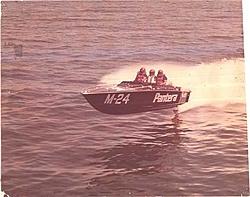 SPY SHOT..Pantera Offshore/Mohegan Sun F2-m-24-bacardi-race-1977.jpg