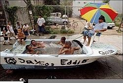 Life in da hood!-hoodboat.jpg
