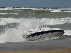 18ft bow rider on Lake Michigan with reported 6-10 footers-28891223115869925261334.jpg