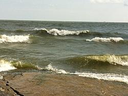 Sunk boat in Erie-waves2.jpg
