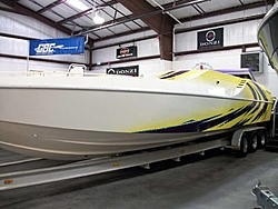 Who is Still making a non stepped hull?-33_cougar_02.jpg