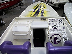 Who is Still making a non stepped hull?-33_cougar_04.jpg