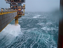 Hurricane in winter with thunder? WTF?-oil-rig-jan-3.jpg
