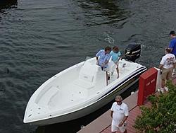Hot Boat is in Key Largo-spectre-docking.jpg