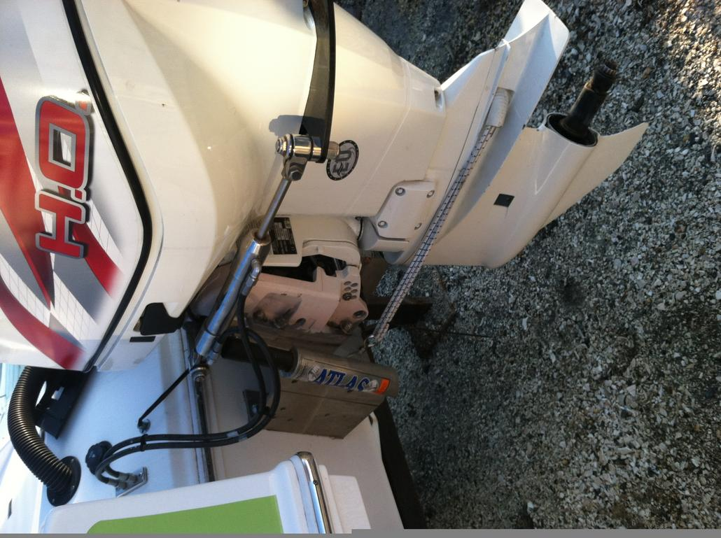 Evinrude ETEC 250HO - Twin power choice for a 28 Skater