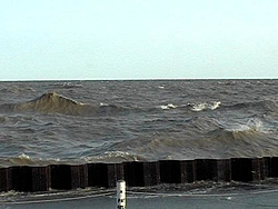 OFFSHORE water yesterday......-waves2.jpg
