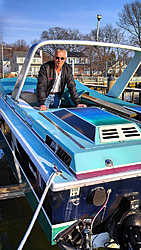 Miami Vice season 2 Scarab changes hands-star-2-9-.jpg