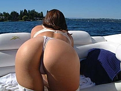 OSO/PowerBoater 2004 Winter Chill-Out-donzi-ass.jpg