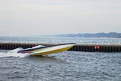 Nauti Kitty running on Lake Michigan today (Pics)-channel-enhanced.jpg