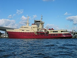 OffshoreOnly Gladiator-big-red-boat-lilttle-red.jpg