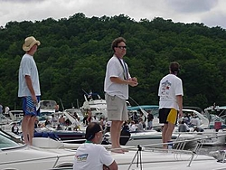 I've got all these cool boat pics....so I'm gonna post some of them....-mvc-011s.jpg