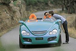 shrinking car! look at this-pho_pr25.jpg