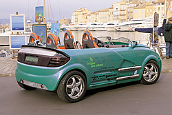 shrinking car! look at this-pho_pr14.jpg
