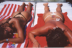 Let's see all the best Bikini Shots of the Holiday!-kc.jpg