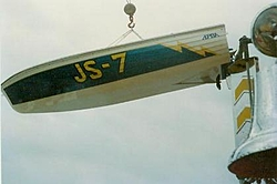 NJ Boyz remember the Jersey Speed Skiffs and Garvey races? Nice pics!! --->-js7-craned.jpg