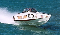 You pick!  Whats the meanest sounding boat you have ever heard?-trafficlight.jpg