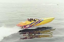 Cigarette F-2 Race Pictures-2000-top-gun-carbon-fiber.jpg