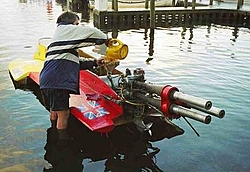 Picture of me servicing my raceboat!-winde5.jpg