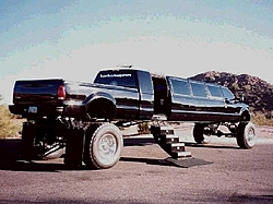 OT:  Ford to replace Excursion with stretched Expedition-texaslimo-resized.jpg