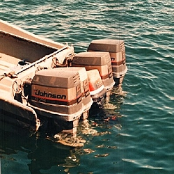 Found this at the marina yesterday-5-engines-smaller.jpg