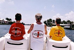 Lucky Strike - Floating Reporter-cigshirts.jpg