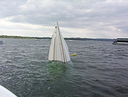 Did a boat reck on lake hartwell-fountian-sinking-4.jpg