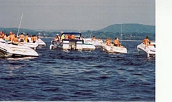 """Receiving """"cards"""" from a dock at a poker run.-pontooncardstop.jpg"""