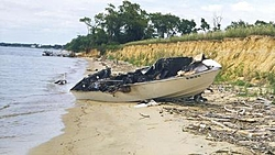24' Cigarette Fire Fox vs 24' Banana Boat-excalibur-crash-1.jpg
