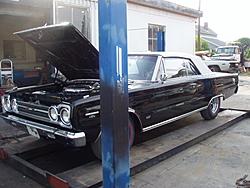 Garage Full- Muscle Car Must Go- 70' Superbird-p1010008.jpg