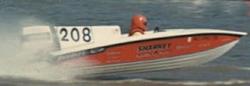 Race boat Pic-208wv1.jpg