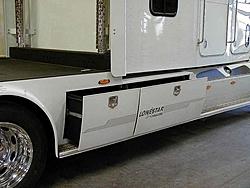 Medium Duty Trucks-02.jpg