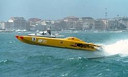 Race boat Pic-cat43g.jpg