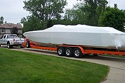 First Boat arrives for the SOTW Poker Run-first-boat.jpg