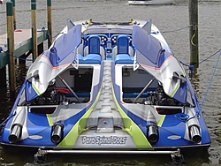 Some pics from SOTW today.... some awsome boats in town!-para-spinal-docks-transom-small-.jpg