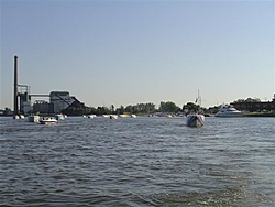 Pics from Smoke on the Water!-everyone-heading-out-small-.jpg