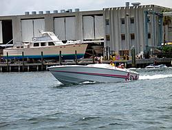 Floating Reporter-7/11/04-img_3612.jpg