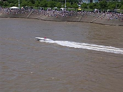 Patrol boats needed for New Richmond (Cincinnati, OH) Grand Prix August 7th & 8th!!-boat-fans-serpentine-wall.jpg