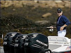 anyone see these pics of bushes new boat?-20040808082109990007.jpg