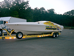 Looking for the right boat-brontrailer.jpg