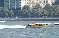 Pics from the SBI NYC Race-sbi_nyc-2004-84-wazzup.jpg