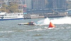 Pics from the SBI NYC Race-sbi_nyc-2004-89-fountain.jpg