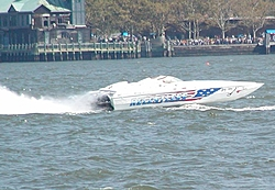 Pics from the SBI NYC Race-sbi_nyc-2004-81-relentless.jpg
