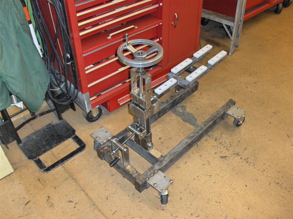Hydraulic Boat Drive : Hydraulic outdrive lift stand