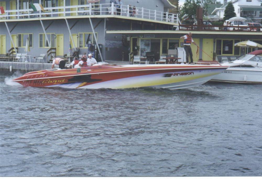 Hustler race boats woman