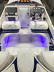 New to me 99 388 Slingshot-cockpit-led.jpg