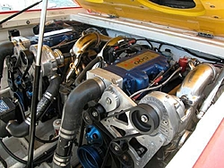 Ayon remember this 380LE?-engine-compartment.jpg