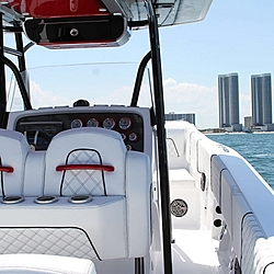 What Do You Think of This New Customer 33 Cuddy Cabin Build?-red-33-cuddy-cabin-renegade-power-boats-7.jpg