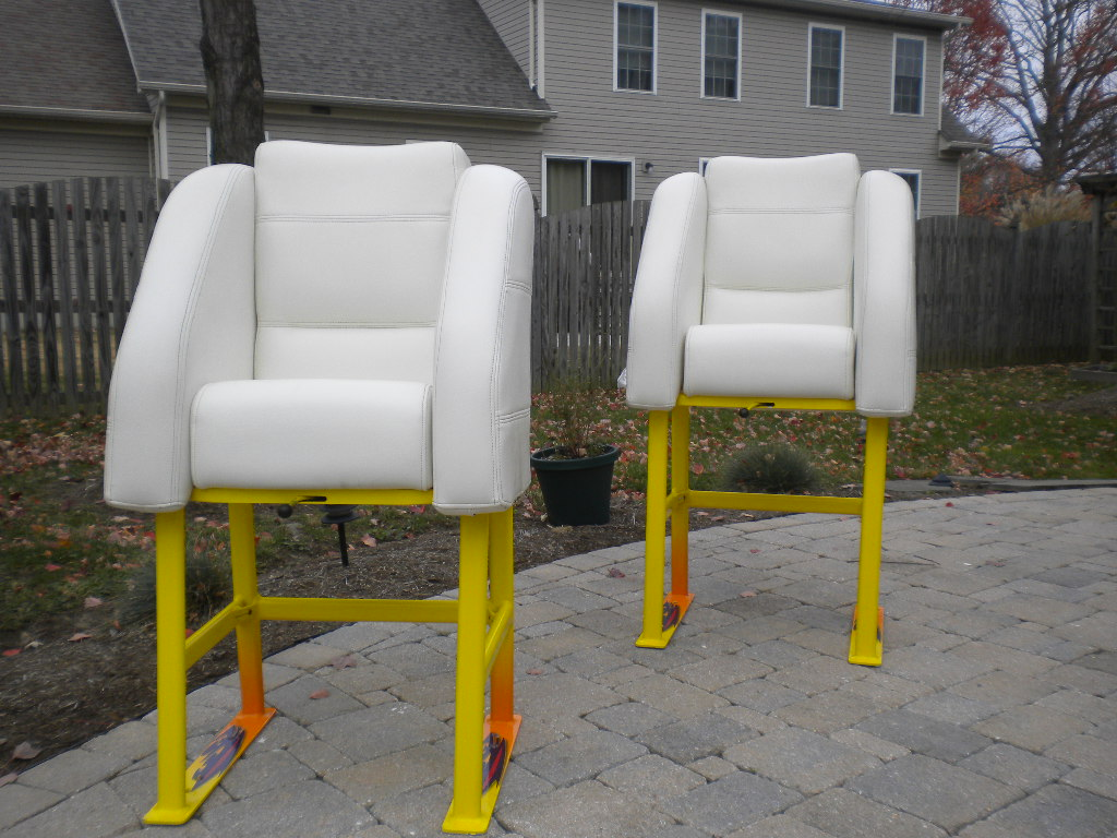 Cigarette Top Gun bolster seats and stands - Offshoreonly.com