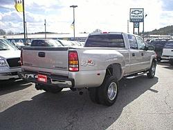 Do I have enough truck?-1323456666.179437141.im1.04.565x421_a.562x421.jpg