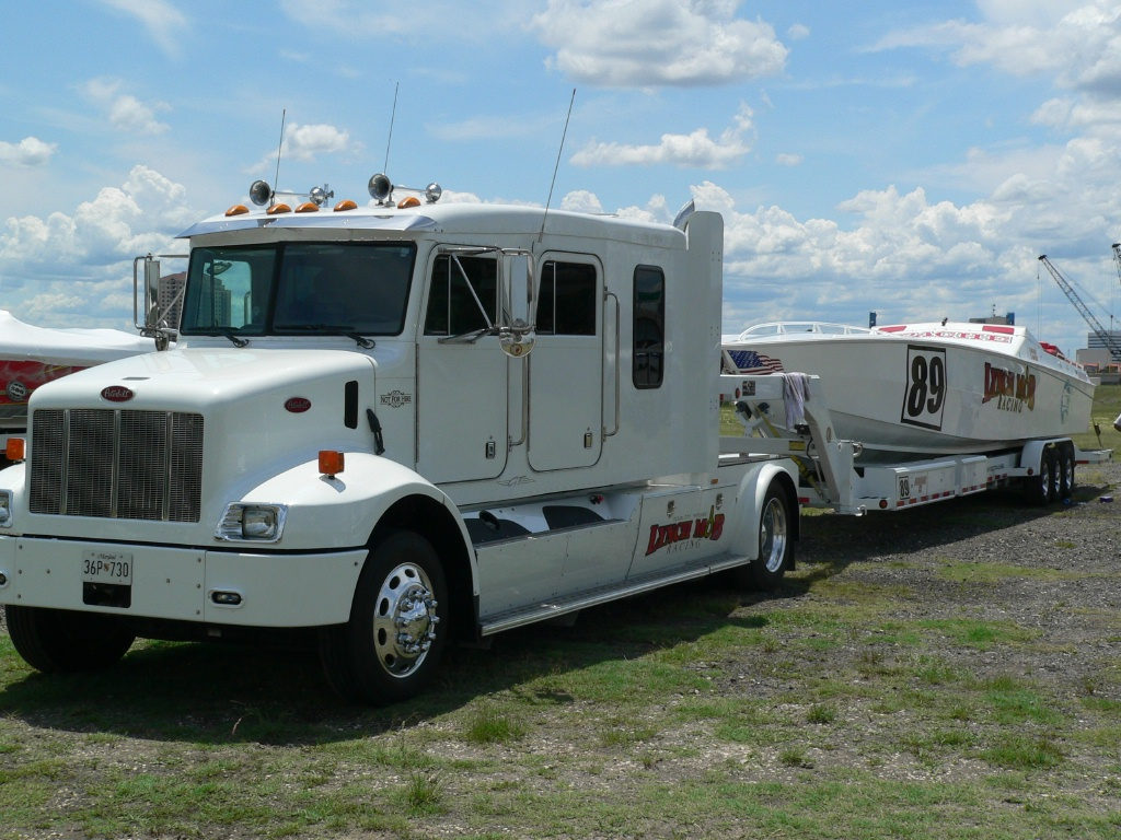 anyone running a freightliner sportchassis